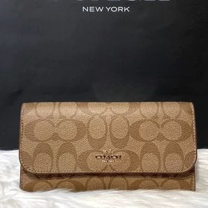 F52681 - Coach Signature Canvas Checkbook Wallet